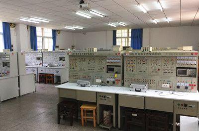 电工与电子国家实验教学示范中心(电工)
